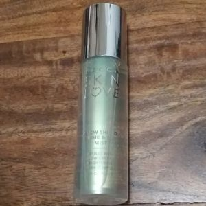 "BECCA Skin Love ""Glow Shield"" Spray"
